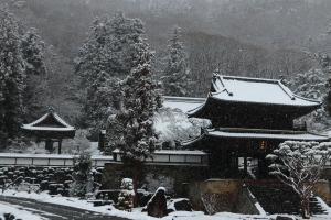 27【入選】「雪の蕃松院」(小平靖子).JPG